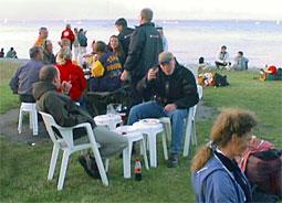Dykkere ved et lidt specielt bord